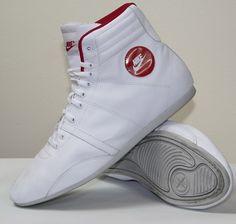 Nike Women 3/4 Shoes New Ex Display without box Size UK 7,5 EU 42