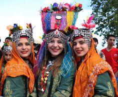 TÜRK kızları . Yörük (Nomad) Festival in Türkiye (Turkey), Middle-Turan!