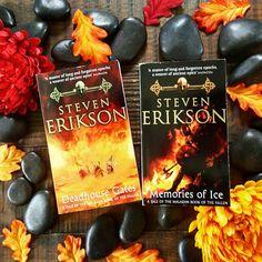 @bookbastion on Instagram | Deadhouse Gates and Memories of Ice by Steven Erikson | genre - fantasy