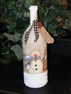 Primitive Snowman Decor Primitive Christmas Decor by theprimplace Primitive Snowmen, Primitive Christmas, Country Christmas, Christmas Crafts, Wine Bottle Art, Painted Wine Bottles, Wine Bottle Crafts, Decorated Bottles, Snowman Decorations