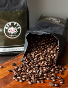 Have you ever wanted to drink a premium coffee roast with low acidity and just the right amount of caffeine? Look no further, friends. We have what you need at Red Eye Coffee Co. ☕️ Grab a bag today! Red Eye Coffee, Premium Coffee, Thing 1, Dark Roast, Red Eyes, Coffee Roasting, Caffeine, Gourmet Recipes, Stuffed Mushrooms