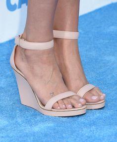 10 Worst Shoe Styles for Short Women