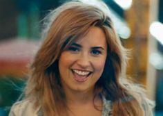 Demi Lovato or Kelly Clarkson?