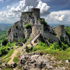 Srebrenik Fortress, Bosnia's best-preserved medieval castle. Visit our website: www.tourguidemostar.com #unesco #bih #TGM #TourGuideMostar #ottoman #bridge #oldtown #herzegovina #worldheritage #river #photogtaphy #nature #srebrenik