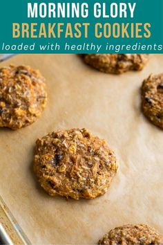 Make back to school mornings easy with these morning glory breakfast cookies are loaded with healthy ingredients including carrots, ground flax, applesauce and eggs. #sweetpeasandsaffron #backtoschool Oatmeal Breakfast Cookies, Breakfast Cookie Recipe, Best Breakfast Recipes, Healthy Cookies, Yummy Cookies, Oatmeal Calories, Chocolate Chia Pudding, Homemade Granola Bars, Delicious Cookie Recipes