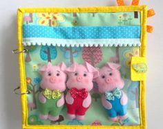 Das Aufgabenbuch ist eine hervorragende Idee, Kinder abzulenken und ihre Kreativität zu fördern.  Es ist auch ein hervorragendes Geschenk für Kinder zu Ostern zu bieten!  Sie werden in der Lage, mit ein kleinen Kaninchen spielen, der in einen Kohl lebt und liebt Karotten abholen und in seinen Warenkorb zu legen.  Eine bunte und lustige Buch Geschichten zu erzählen und Regen die Phantasie des Kindes.  Das Buch sollte über 2,5 Jahre alt und überwacht von den Eltern von Kindern benutzt werden…