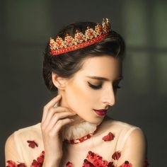 Scattered Red Crystal Decorated Gold Flower Bridal Tiara Crown