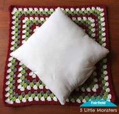Classic Granny Square Christmas Pillow : 5 Little Monsters: Classic Granny Squa. Classic Granny Square Christmas Pillow : 5 Little Monsters: Classic Granny Square Christmas Pillow Crochet Cushion Pattern, Crochet Pillow Patterns Free, Crochet Square Patterns, Crochet Cushions, Granny Square Crochet Pattern, Crochet Squares, Free Crochet, Crochet Blocks, Afghan Patterns