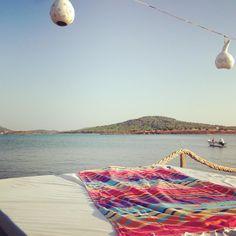 Tranquilidad en el mar...con nuestra toalla turca Sunny  #molacoton #molamonton #sea #mar #summer #verano #toallaturca #fouta #pareo #turkishtowel #pestamal #pestemal #peshtemal #peshtamal #beach #playa #travel #turkey #turquia #viaje #viajar #viajero #traveler #traveling