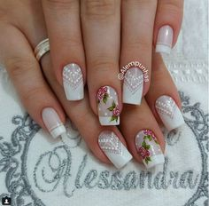 #nailsshabbychic #shabbychic #mandalas Accent Nail Designs, Cute Nail Art Designs, Gel Nails, Acrylic Nails, Airbrush Nails, Nail Salon Design, Nail Art Diy, Creative Nails, French Nails