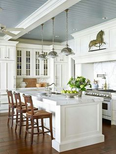 i like the brightness of this kitchen