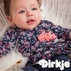 Bloemetjes en strikjes dit shirtje is precies hetgene wat bij jou dochtertje past. Bekijk deze outfit Dirkje wintercollectie 2016/2017♥ #dirkje #babykleding #wintercollectie #dirkjebabywear #meisje #strikje #roze