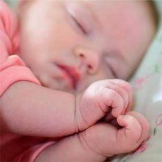 Monthly Baby Photos, Newborn Baby Photos, Baby Girl Photos, Baby Poses, Newborn Pictures, Baby Pictures, Newborn Photography Poses, Newborn Baby Photography, Foto Baby
