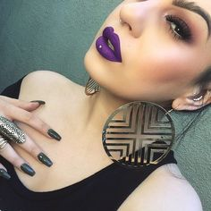 Pansy Velvetine by @limecrimemakeup. ️ @ourfazinali
