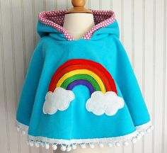 There's also an American Girl doll version to match. Rainbow Poncho Cape in Aqua with Pink Heart Hood by thetrendytot Fleece Poncho, Fleece Hoodie, Fashion Kids, Diy Couture, Girls Fleece, Spring Jackets, Baby Kind, Christen, Sewing For Kids