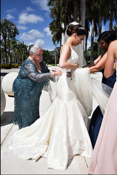 Last minute touch ups: Standard of Grace  #bride #photography #miami