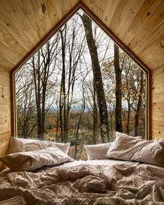 Naturhotels Tiny little houses with lots of glass and farsightedness: These 15 tiny houses score wit Tiny House Cabin, Tiny House Living, Tiny House Plans, Tiny House Design, My House, Glass House Design, Best Tiny House, Cabin Design, House Floor