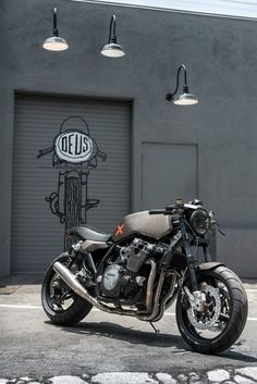 Deus Ex Machina's Milan workshop gives the XJR1300 a stunning makeover.