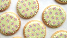 How To Decorate Cookies With Cute And Easy Dot Flowers Using Royal Icing ~ SweetAmbs