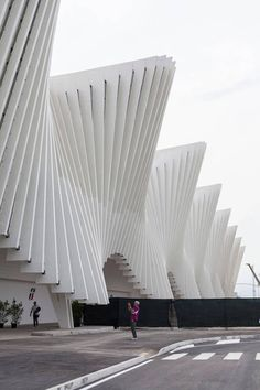 Reggio Emilia station by Santiago Calatrava Valls. by editorial office Detail Daily Photo: Oscar Ferrari.