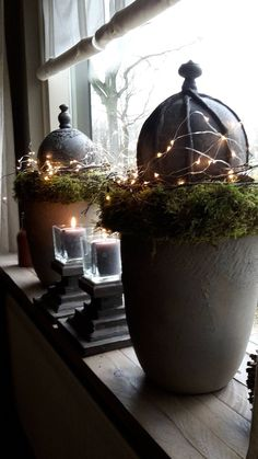 Noel or Christmas Modern Farmhouse style! Simple gray pottery pots with moss and lights! Noel or Christmas Modern Farmhouse style! Simple gray pottery pots with moss and lights! Christmas Mood, Rustic Christmas, Simple Christmas, All Things Christmas, Xmas, Christmas Ornaments, Holiday, Modern Farmhouse Style, Farmhouse Chic
