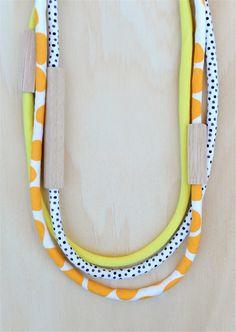 3 Stück MIXED  Holz und Stoff-Halsketten  Mango von loveHARTHORNE