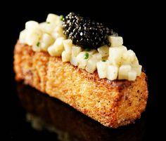 Pain perdu au corail d'oursin, céleri rave acidulé et caviar by Kaviari (Caviar Box) - Recette d'Eric Pras, chef de Lameloise *** Photo : www.lacuisinedejosie.fr