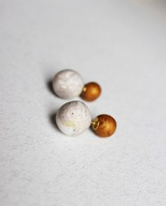 Gauge golden studs Double pearl earring Marble by aplusdesignnn