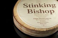 El Stinking Bishop (en inglés literalmente 'obispo apestoso') es un queso blando de corteza lavada producido desde 1972 por Charles Martell and Son en Laurel Farm, Dymock, Gloucestershire (suroeste de Inglaterra). Se hace con leche de vaca Gloucester, que en 1972 contaba con solo 68 hembras reproductoras. La cabaña ha sido desde entonces revivida para hacer posible la producción del queso, aunque a menudo se combina y pasteuriza con la leche de vaca frisona de un condado cercano. Su…