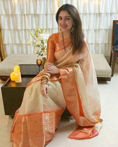 Indian Bridal Outfits, Indian Bridal Fashion, Indian Fashion Dresses, Indian Designer Outfits, New Fashion Saree, Cotton Saree Designs, Silk Saree Blouse Designs, Bridal Blouse Designs, Indian Beauty Saree