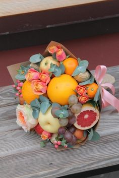 ideas fruit bouquet diy ideas floral arrangements for 2019 Fruit Flower Basket, Fruit Flowers, Food Bouquet, Diy Bouquet, Palm Tree Fruit, Thanksgiving Fruit, Healthy Desserts For Kids, Fruit Sketch, Fruit Birthday Cake
