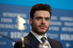 These Richard Madden Pictures Are So Hot, They'll Set Your Heart on Fire Richard Madden Sexy Picture Actors Male, Hot Actors, Actors & Actresses, Hottest Male Celebrities, Famous Celebrities, Celebs, Celebrity Gossip, Celebrity Photos, Celebrity Babies