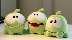Om Noms!! Too cute to be ignored! I want them :)