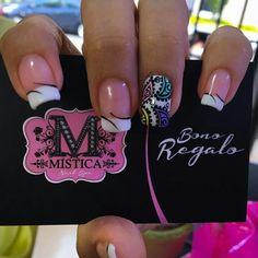Francés con decorado Us Nails, Love Nails, Hair And Nails, Mandala Nails, French Tip Nails, Elegant Nails, Cool Nail Designs, Nails Inspiration, Diy Hairstyles