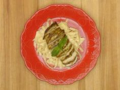 Pioneer Woman Chicken Alfredo Recipe from Food Network Chicken Alfredo, Pesto Chicken, Chicken Rub, Marinade Chicken, Grilled Chicken, Fettuccine Alfredo, Food Network Recipes, Cooking Recipes, Cooking Ideas