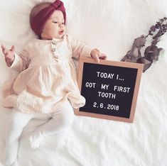 Baby Boy Pictures, Baby Girl Photos, 3 Month Old Baby Pictures, Milestone Pictures, 1 Month Old Baby, 6 Month Baby Picture Ideas, Monthly Baby Photos, Baby Letters, Foto Baby