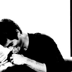 Dylan O'Brien laughing at SDCC'13 THE MAZE RUNNER PANEL (gif)