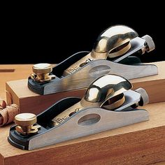 Lie-Nielsen Adjustable Mouth Block Planes by Garrett Wade