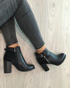 ccb2311e293c Bottines à talons noires bi matières avec sangle. Chaussure A Talon  CompenséChaussure Femme EscarpinChaussure ...