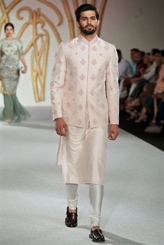 Intricately embroidered bandgala Nehru coat with coordinated peach kurta. Pastel outfit inspiration for Indian groom. Mens Wedding Wear Indian, Wedding Kurta For Men, Wedding Dresses Men Indian, Wedding Outfits For Groom, Indian Groom Wear, Wedding Dress Men, Indian Bridal, Bridal Outfits, Wedding Poses