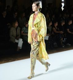 The collection was presented in the dazzling space of the Hotel de Ville and a sense of romantic nostalgia filled the air as the a cappella version of Be my Baby echoed while the first looked walked the runway  #zoomagazine #driesvannoten #pfw #parisfashionweek #paris #fashion #model #runway #fashionshow #fashionweek #womenswear #womensclothing #instafashion #instadaily #photo #onlineexclusive #ootdwomen  via ZOO MAGAZINE OFFICIAL INSTAGRAM - Celebrity  Fashion  Haute Couture  Advertising…