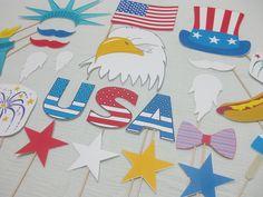 PDF -  Patriotic / 4th of July / Memorial Day photo booth props / decorations / craft - printable DIY. $3.95, via Etsy.