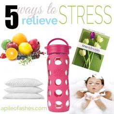 5 Ways to Relieve Stress {& Essential Oils to Help} #oilymommie #oliyfamilies #yleo