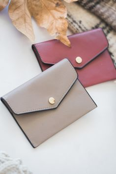 Cute wallet clutches, mini clutch, must have accessories, night out accessories, Morning Lavender