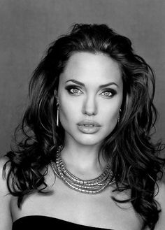 Character Name: Lacerta - Muns Name: Lacy - Model: Angelina Jolie - Original Image: Unknown Owner/Photographer
