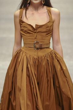 Vivienne Westwood at Paris Fashion Week Spring 2011 style tips and bikini trends by Look Fashion, Paris Fashion, Runway Fashion, Spring Fashion, High Fashion, Fashion Beauty, Fashion Outfits, Fashion Tips, Fashion Trends