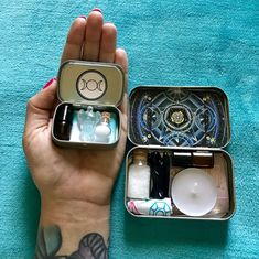 Mini travel altar ideas. Witchcraft how-tos. Start small.   For more witchy tips follow all of my boards!
