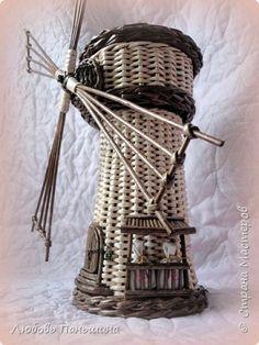 Поделка изделие Плетение Мельница мини-бар и шкатулки-бочонки Бумага Трубочки бумажные фото 1