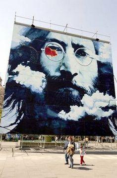 Cuba Journal: Cuban artist Waldo Saavedra displays his John Lennon mural in Guadalajara, Mexico #streetart jd