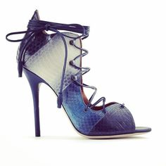 @malonesouliers on @rosearancio's Instagram. #MaloneSouliers #Rosearancio #Savannah #SS15 #TheNewManolo #luxury#fashion #shoes